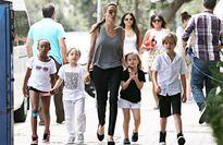 Angelina: 'Lũ trẻ nghĩ tôi kỳ quặc'