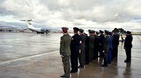 Nghi thức đón thi thể phi công Su-24 bị rơi tại Moscow [VIDEO]