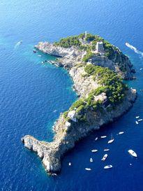 12 hòn đảo có hình thù kỳ lạ nhất thế giới