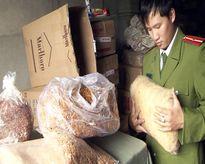 Phát hiện 7 tấn thịt dăm bông, mực khô không rõ nguồn gốc