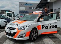 Dịch vụ lạ có 1 không 2 trên thế giới: Thuê xe cảnh sát để chống trộm