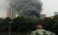 Hà Nội: Cháy lớn ở gara ô tô chợ Xanh Văn Quán, Hà Đông