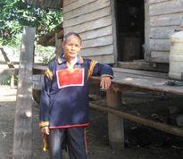 Trưởng thôn giúp dân làng xóa bỏ hủ tục lạc hậu