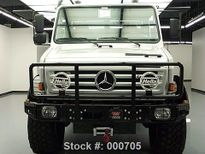 'Kẻ hủy diệt' rao bán xe bán tải Mercedes hạng khủng trên eBay