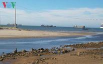 Thừa Thiên-Huế: Cửa biển bị bồi lấp, hàng trăm tàu thuyền phải nằm bờ