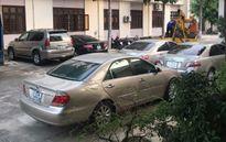 Bắt nhiều xe siêu sang nhập lậu, mang giấy tờ giả