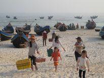 Phụ cấp cho nhà giáo điều động về xã bãi ngang ven biển