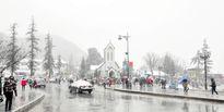 Hội đi Sa Pa ngắm tuyết: 'Đừng nằm trong chăn phán dân phượt vô cảm'