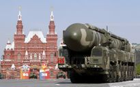Uy lực 'kinh hoàng' của 10 tổ hợp tên lửa đạn đạo đang tuần tra tại Nga