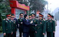 Chủ tịch nước thăm và chúc Tết cán bộ, chiến sĩ Học viện Hậu cần