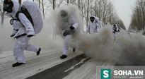 """Binh sĩ Trung Quốc bị """"hành xác"""" trong mùa đông lạnh giá"""