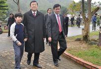 Chủ tịch nước thăm Khu di tích Kim Liên và mộ Vua Mai