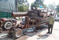 Kinh hoàng xe độ chế chở gỗ