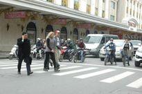 Ngày đầu tiên xử phạt người đi bộ sai quy định tại HN