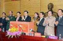 Chủ tịch nước Trương Tấn Sang chúc Tết Đảng bộ và nhân dân các tỉnh Hà Tĩnh, Nghệ An