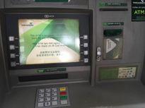 Người dân bực tức vì ATM Vietcombank ngừng giao dịch