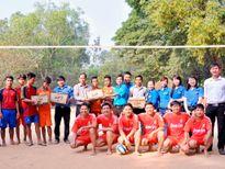 Tặng quà Tết cho người dân 5 huyện biên giới Tây Ninh