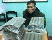 """Chở thuê 24 kg thuốc nổ để lấy tiền """"chơi"""" ma túy"""