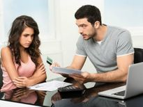 Mùng 1 Tết, chồng đòi ly hôn vì món quà vợ biếu nhà mẹ đẻ