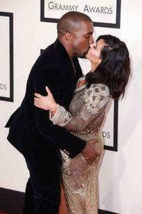 Loạt quà tặng 'người lớn' gây sốc Kim định tặng chồng vào Valentine