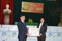 Tập đoàn TH trao 200 suất quà tết cho trẻ em làng mồ côi SOS