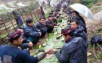Những người đàn ông Việt 'chỉ muốn tắm ao tù'