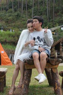 Lộ ảnh tình tứ của Trường Giang và Angela Phương Trinh