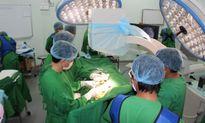 Bệnh viện Chợ Rẫy Phnom Penh đặt máy tạo nhịp tim cứu sống bệnh nhân đột quỵ
