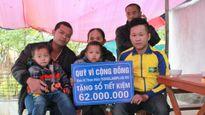 CĐV SLNA ủng hộ 100 thùng mì tôm cho trẻ em miền Tây xứ Nghệ
