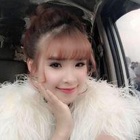 10 ảnh hot facebook nhà sao Việt ngày 5/2