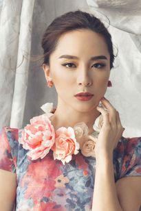 Dương Trương Thiên Lý đẹp thanh tú những ngày cận Tết