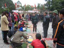 Xã Quỳnh Thuận (Quỳnh Lưu) sôi nổi hội thi gói bánh chưng