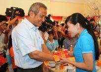 TPHCM: Hàng trăm công nhân ở lại được tổ chức ăn tết sum vầy