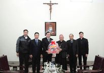 Phó Chủ tịch Vũ Trọng Kim chúc tết Tòa Tổng Giám mục Hà Nội