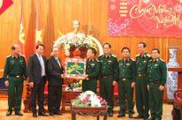 Phó Thủ tướng Nguyễn Xuân Phúc chúc Tết cán bộ, chiến sĩ Quân khu 5