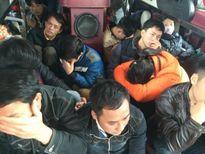 Đình tài xe khách chở quá 30 người ngay tại Bến xe Giáp Bát