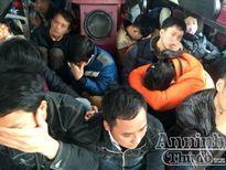 Hà Nội: Xử phạt xe khách 45 chỗ chở 74 hành khách