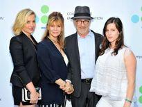 """HOT: Những đại gia đình """"giàu sụ"""" tại Hollywood"""