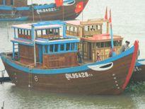 Ngư dân xuất hành thẳng tiến Hoàng Sa - Trường Sa Đúng 9 giờ sáng mùng 1 Tết Nguyên đán, hàng nghìn chiếc tàu, thuyền của ngư dân Hoàng Sa - Trường Sa đã làm lễ xuất hành đầu năm lấy hên.