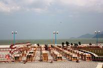 Hàng ngàn người Nha Trang ra biển xem pháo hoa