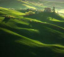 Đã mắt với những triền đồi xanh ngát xanh tại Ý