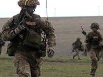 Anh đưa quân đến Trung Đông, NATO áp sát biên giới Nga
