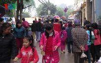Chợ chùa ngày xuân