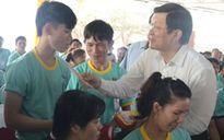 Chủ tịch nước Trương Tấn Sang thăm, chúc Tết công nhân