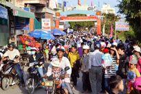 Bình Định: Sôi nổi lễ hội đua thuyền