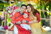 Khánh Thi - Phan Hiển rạng rỡ cùng con trai du xuân