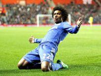 Willian học đá phạt nhờ Beckham và Ronaldinho