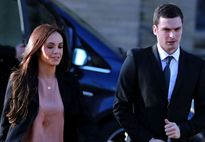 """Điểm tin hậu trường 11/02: Sao NHA đối mặt án tù vì giao cấu với trẻ em, Chelsea ra tay """"bảo vệ"""" HLV Wenger và Harry Kane"""