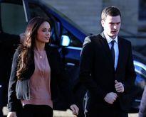 Adam Johnson bị loại khỏi đội hình gặp Manchester United sau scandal sex với trẻ vị thành niên