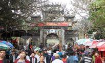 """Công an Hà Nội """"tung"""" lực lượng bảo vệ 29 đền chùa, lễ hội"""